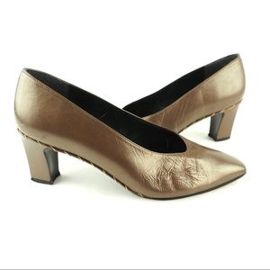 Stuart Weitzman 8 bronze leather almond toe pumps